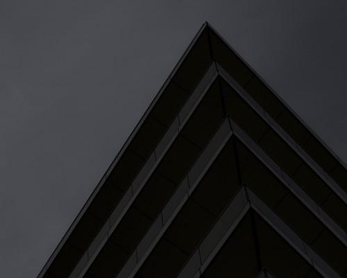Tadzio (Riverbank House, David Walker Architects)